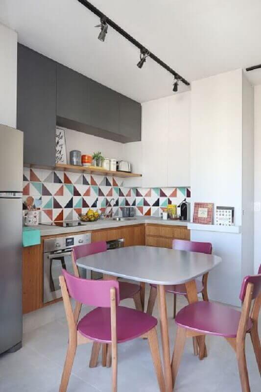 decoração colorida com faixa para cozinha moderna Foto Jeito de Casa