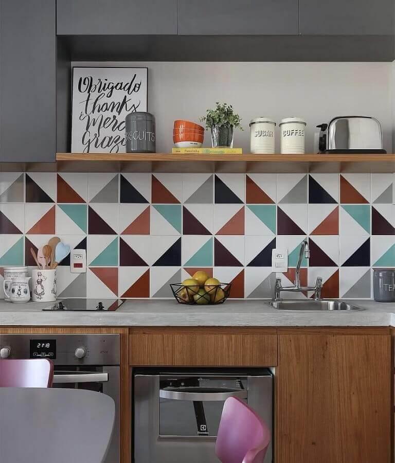 decoração com faixa para cozinha moderna planejada Foto Pinterest