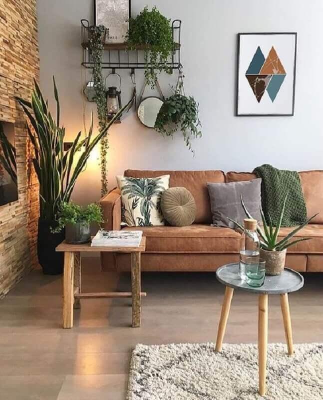 decoração com plantas naturais para sala com revestimento rústico para parede Foto Etsy