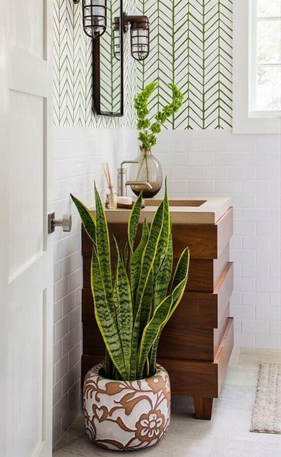 decoração com plantas no banheiro Foto Pinterest