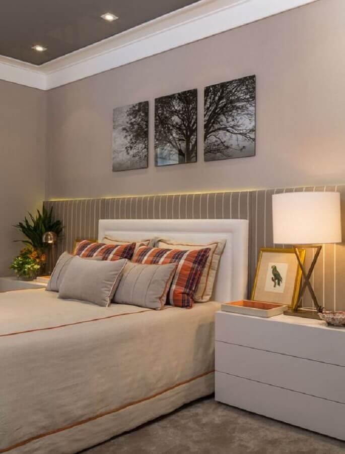 decoração com quadro de parede para quarto de casal em cores neutras Foto Quartos Etc
