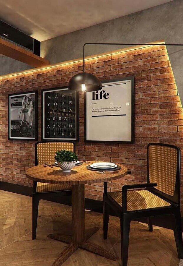 decoração com quadros para parede de tijolinho rústica Foto ArchZine