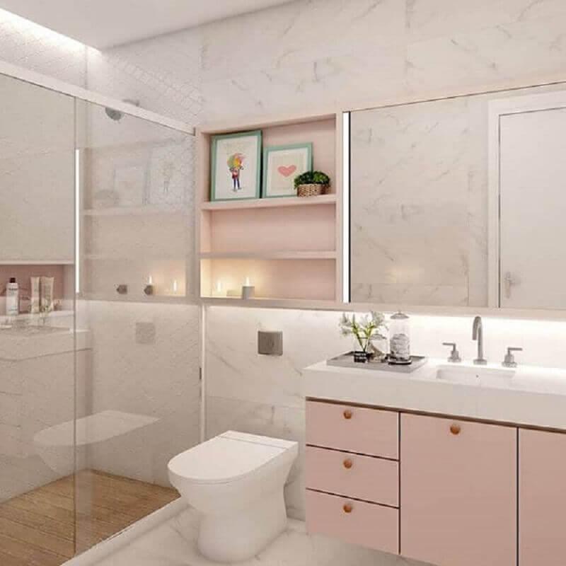 decoração de banheiro planejado na cor rosa pastel e branco Foto Gramho
