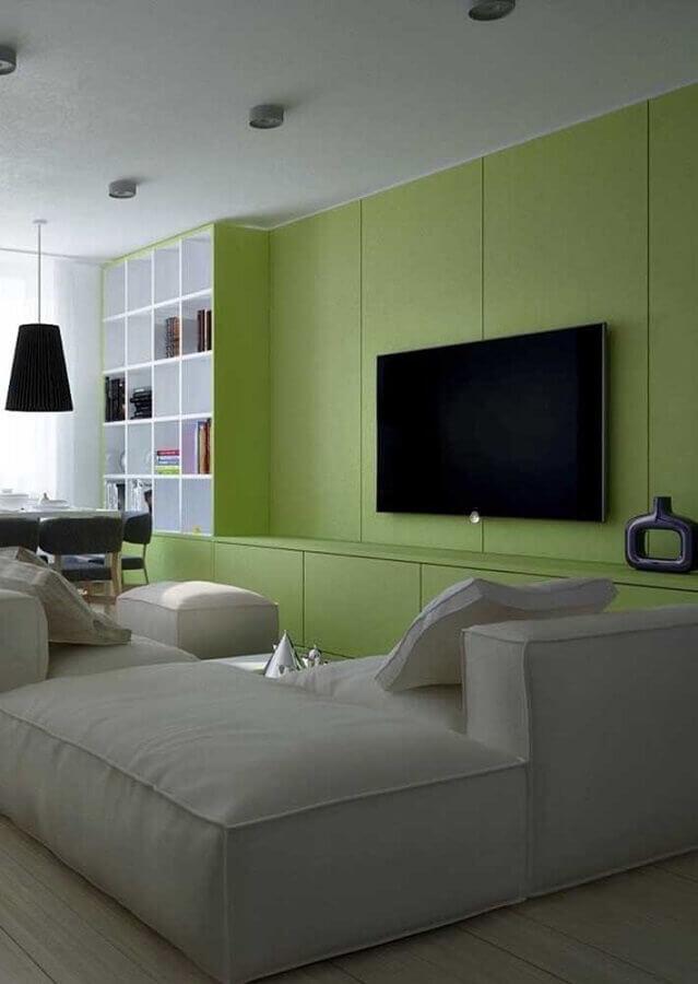decoração de sala verde com sofá modular cinza claro Foto Architecture Art Designs]