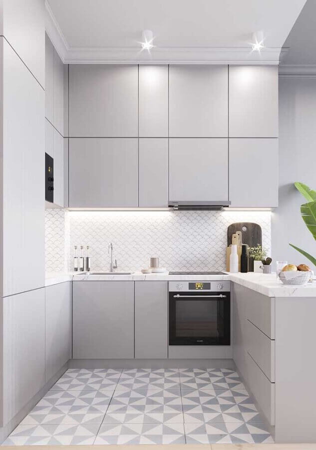 decoração em cinza claro para cozinha planejada em U moderna Foto Home Fashion Trend