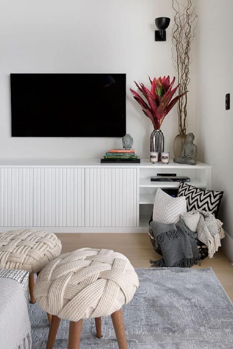 decoração moderna com rack branco para sala Foto Casa de Valentina