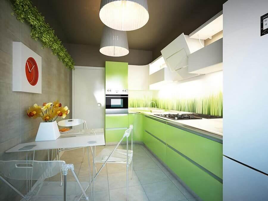 decoração moderna para cozinha verde branca e cinza com armários planejados Foto Yandex
