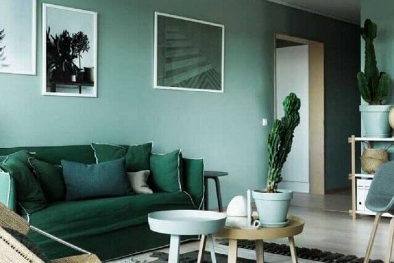 decoração para sala verde Foto Brit + Co
