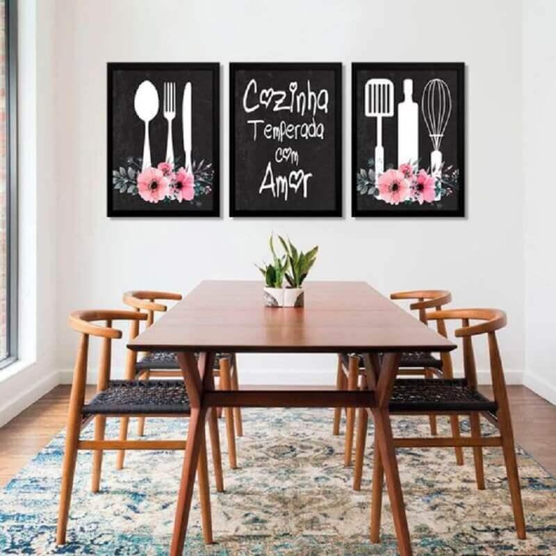decoração quadros com frases para sala de jantar com mesa de madeira Foto Pinterest