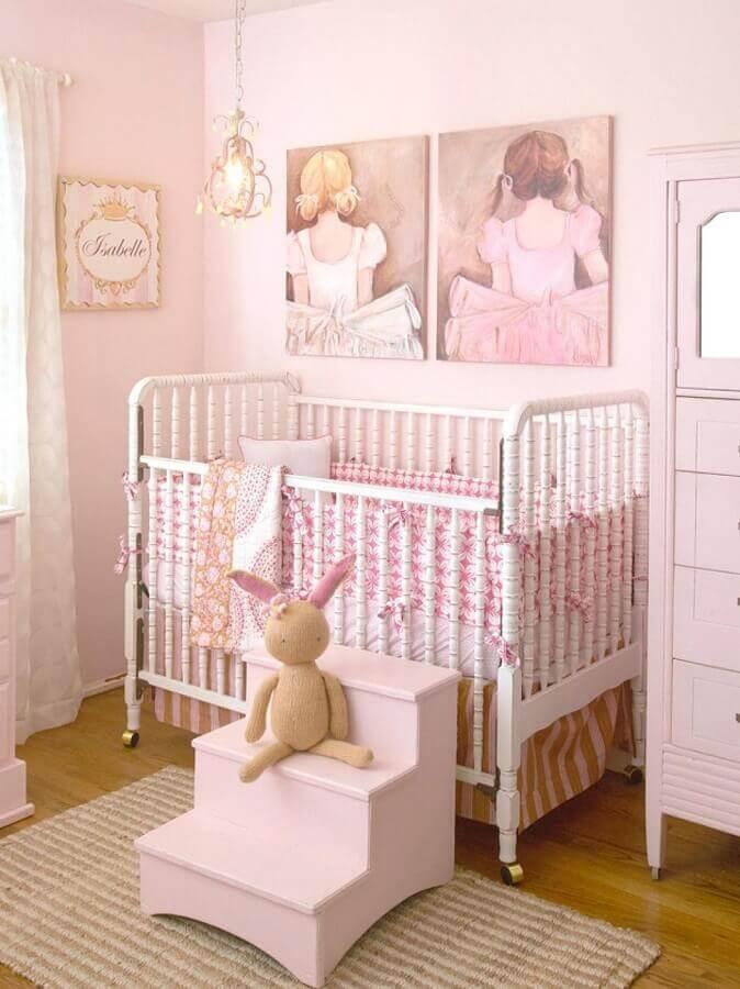 decoração rosa pastel para quarto de bebê com estilo provençal Foto Futurist Architecture