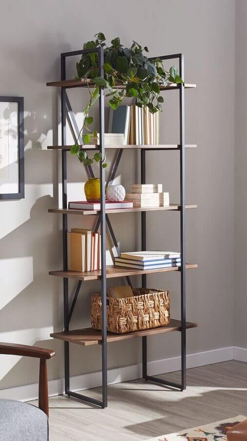 decoração simples com estante industrial pequena Foto Pinterest