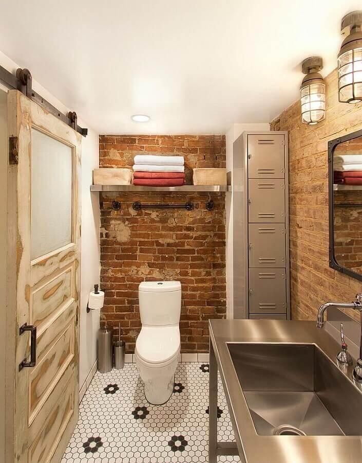 decoração simples para banheiro rústico com bancada de inox Foto Home Decor Ideas