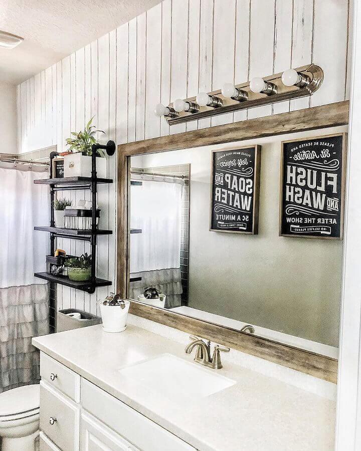 espelho rústico para banheiro decorado com prateleiras de ferro Foto DIY Home Decor