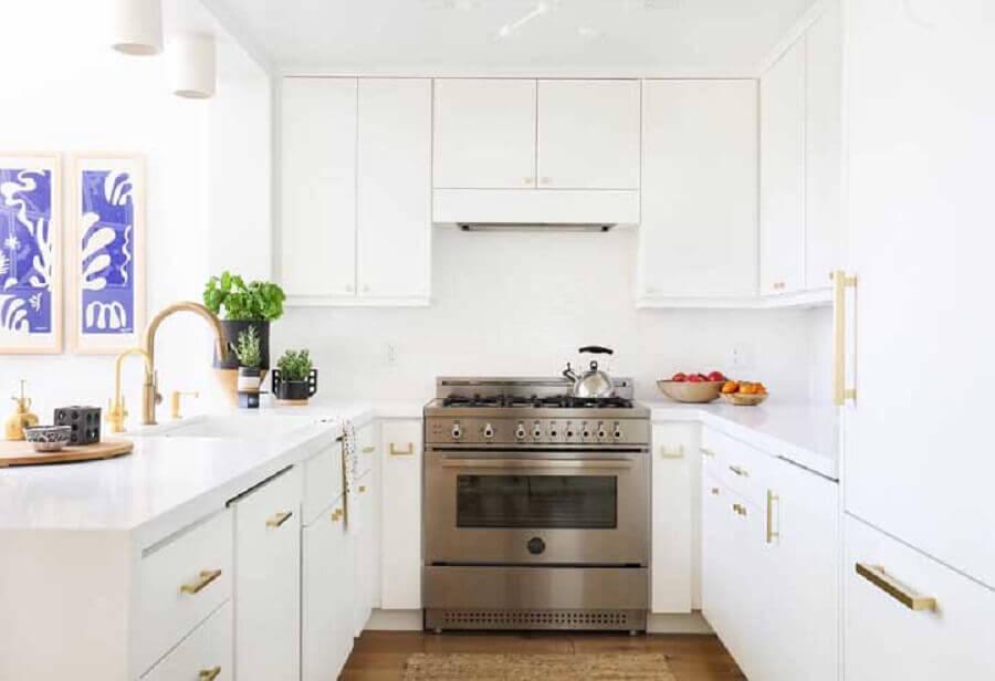 estilo clássico para cozinha em U toda branca planejada Foto Pinterest