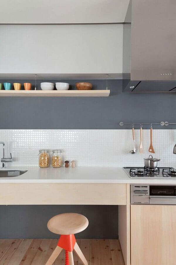 faixa para cozinha moderna branca e cinza Foto Archilovers