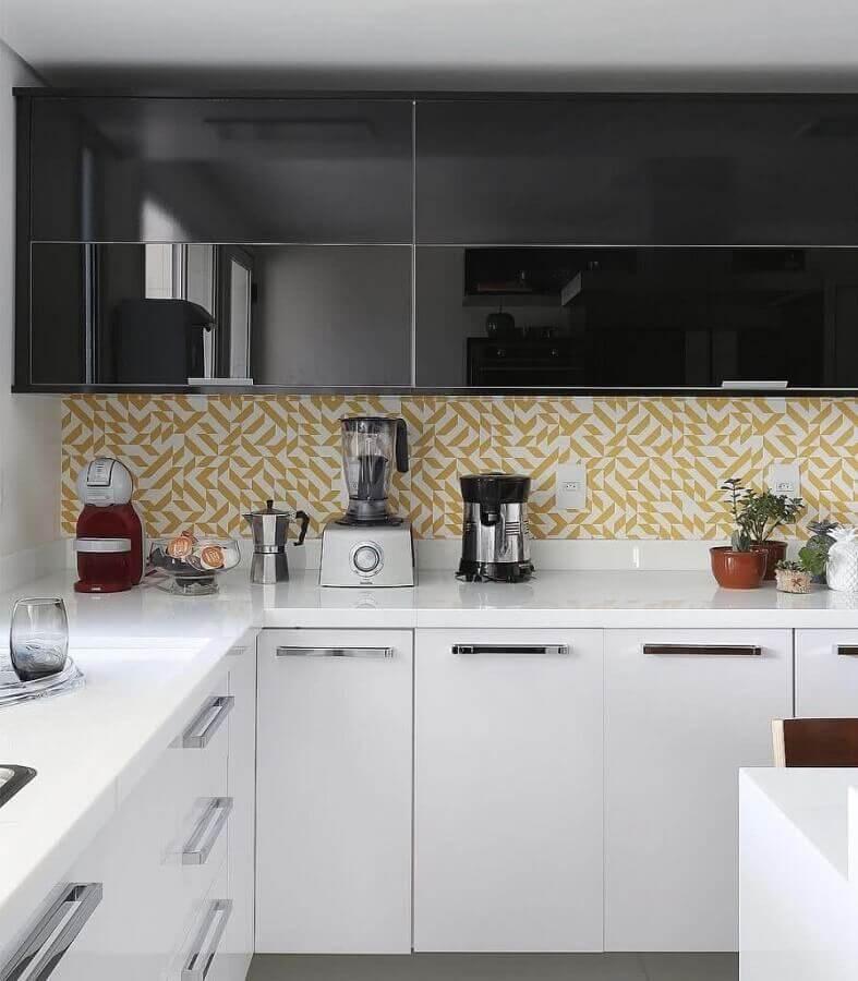faixa para cozinha moderna preta e branca Foto Webcomunica