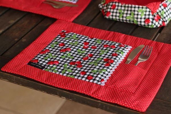 Jogo americano de tecido com porta talheres estampado