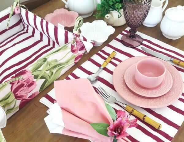 Jogo americano de tecido dupla face para decorar mesa de jantar
