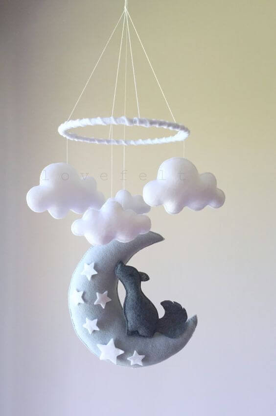 Mobile nuvem de feltro