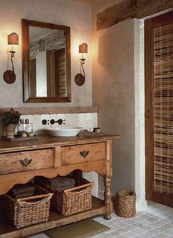 modelo de armário para banheiro rústico decorado com arandela de espelho Foto Pinterest