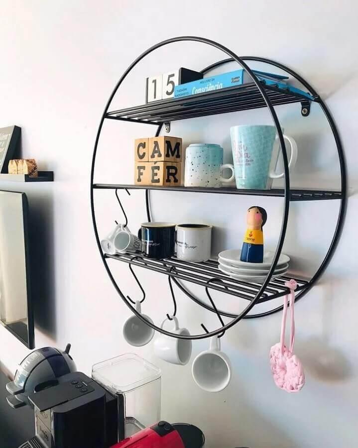 modelo de prateleira aramada suspensa com estrutura redonda Foto Socializando Ideias