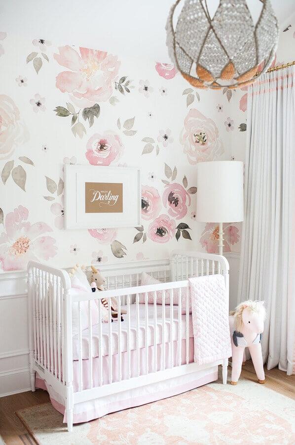 papel de parede rosa pastel com estampa floral para quarto de bebê branco Foto Pinterest