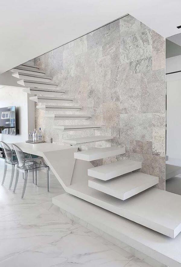 Porcelanato marmorizado no chão
