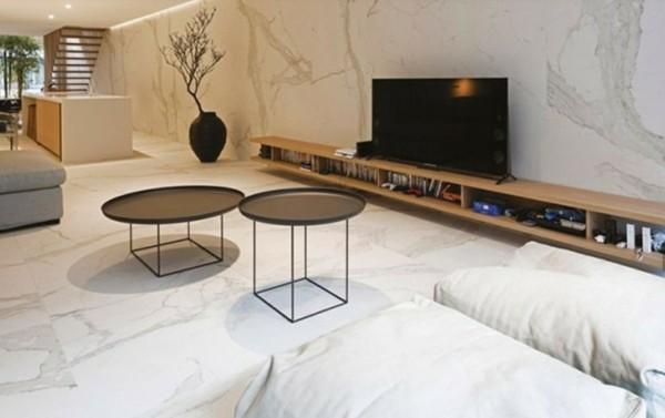 O porcelanato marmorizado também pode ser usado como revestimento de parede
