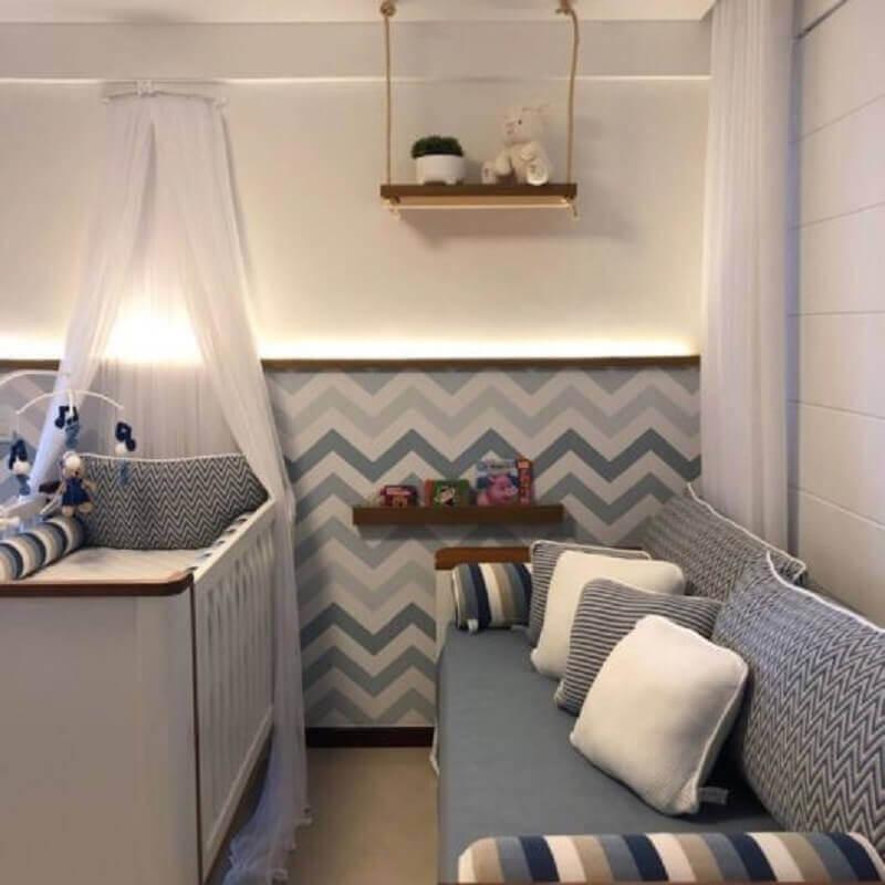 prateleira suspensa para quarto de bebê cinza e branco Foto Pinterest