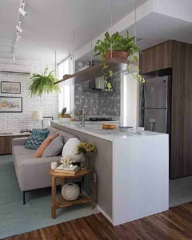 prateleira suspensa teto para decoração de cozinha integrada com sala de estar Foto Sua Decoração