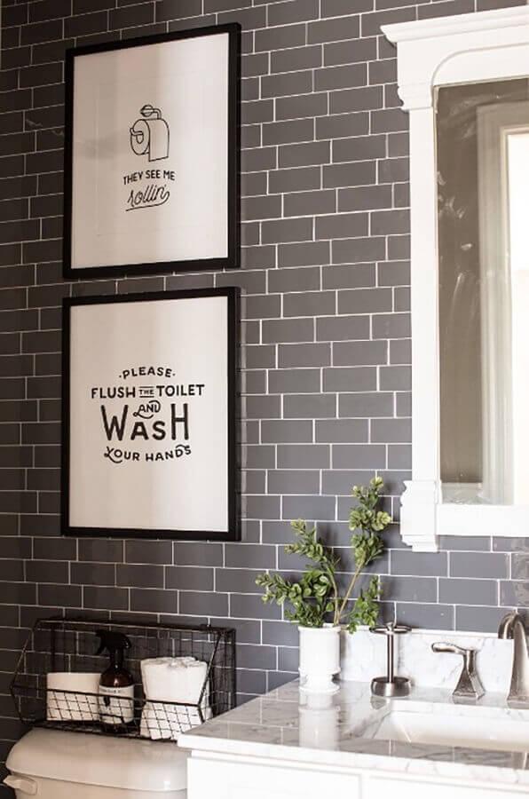 quadros com frases para banheiro cinza e branco Foto Hertrack
