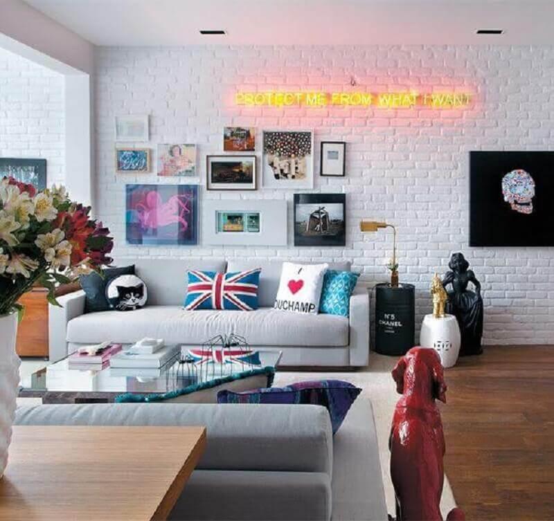 quadros de parede decorativos para sala com estilo jovem e moderno Foto Só Decor