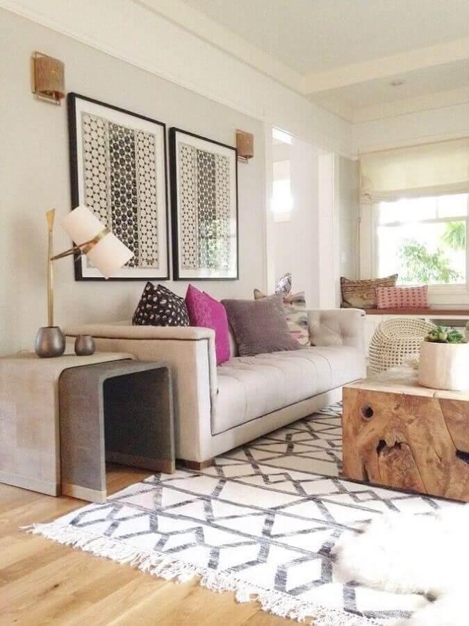 quadros de parede decorativos para sala de estar decorada em tons neutros Foto Homedit