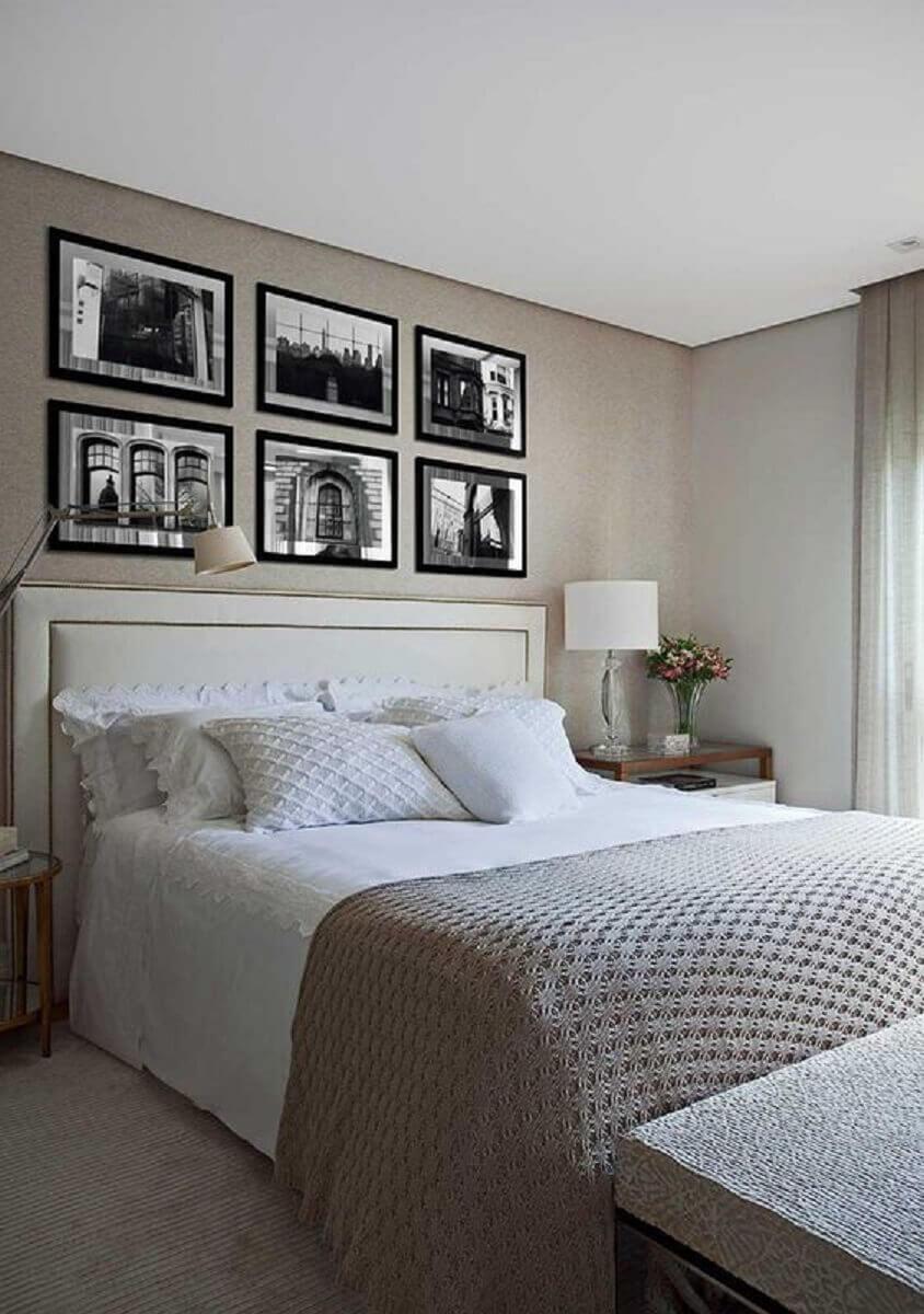 quarto de casal neutro decorado com cabeceira queen estofada branca Foto Casa de Valentina