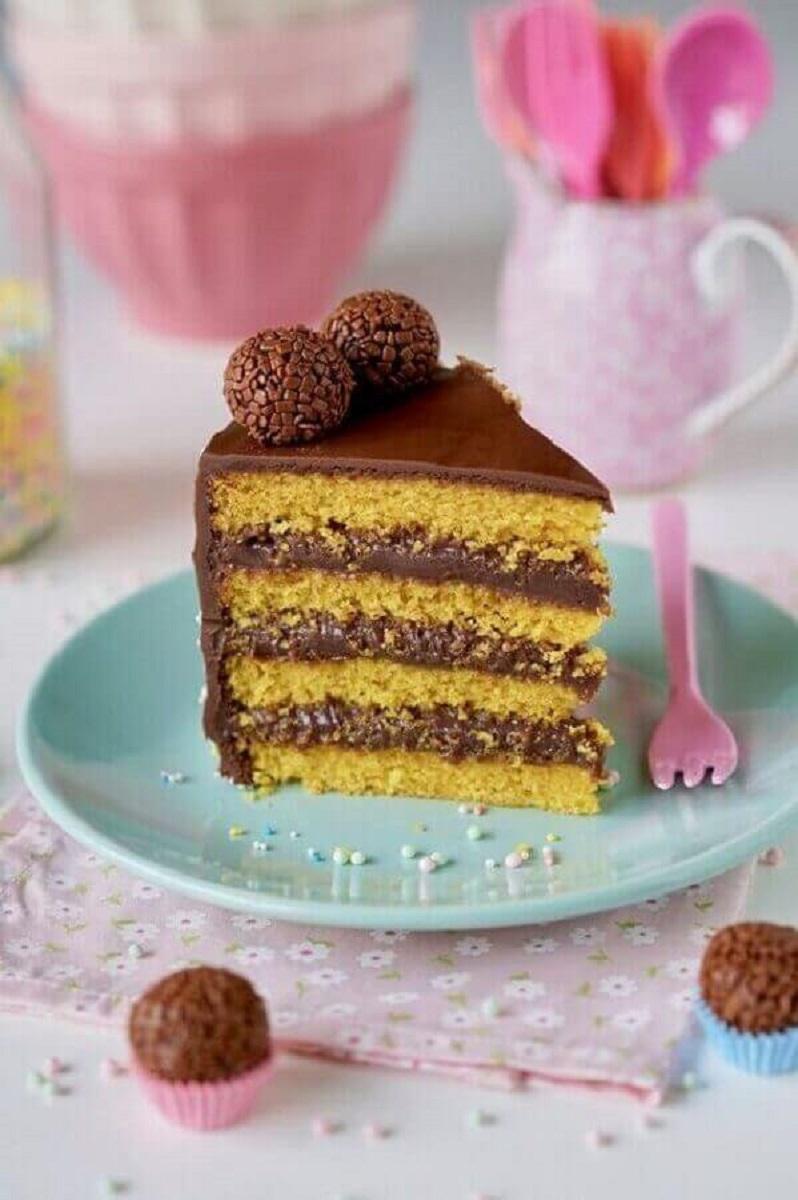 receita de bolo de cenoura com brigadeiro Foto Flamboesa