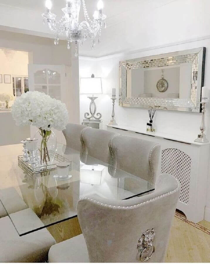 sala de jantar branca sofisticada decorada com vaso de flor para mesa de jantar Foto Pinterest