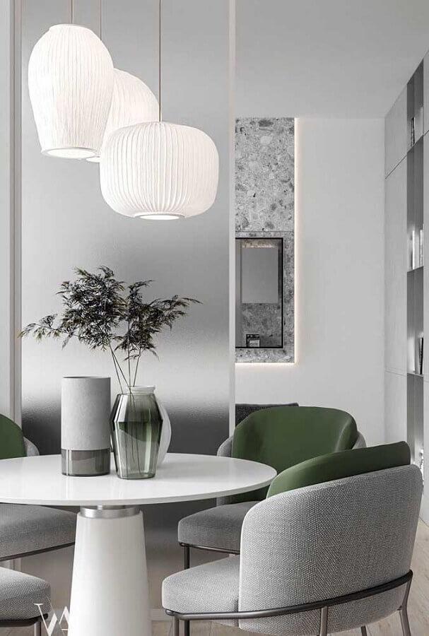 sala de jantar moderna com vasos decorativos para mesa de jantar Foto Futurist Architecture