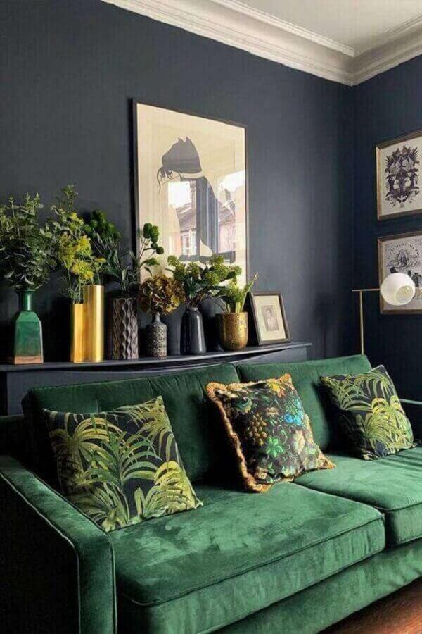 sala verde decorada com parede cinza escura Luxury Art Design