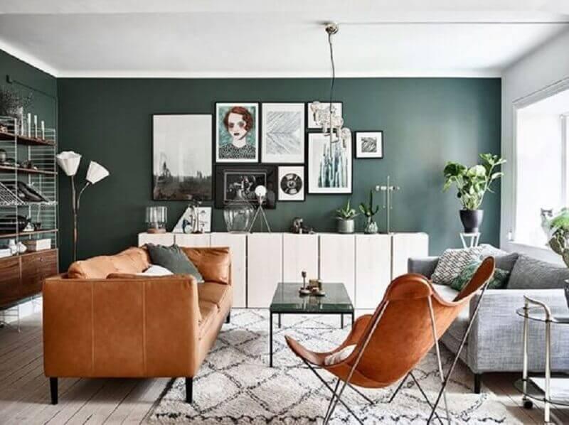 sofá cinza e marrom para decoração de sala verde Foto Futurist Architecture