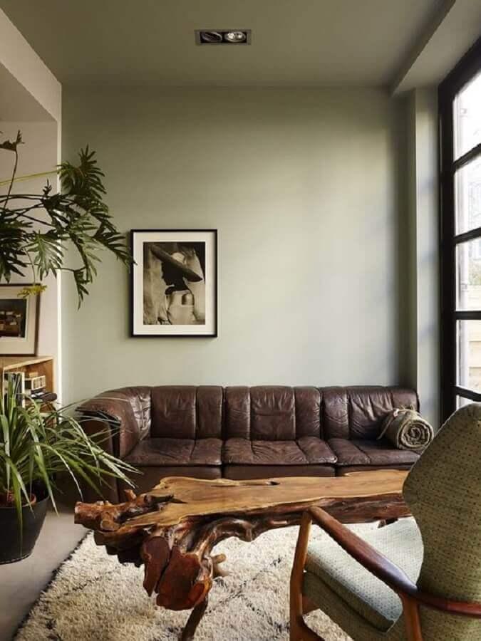 sofá de couro marrom para decoração de sala verde musgo Foto Pinterest