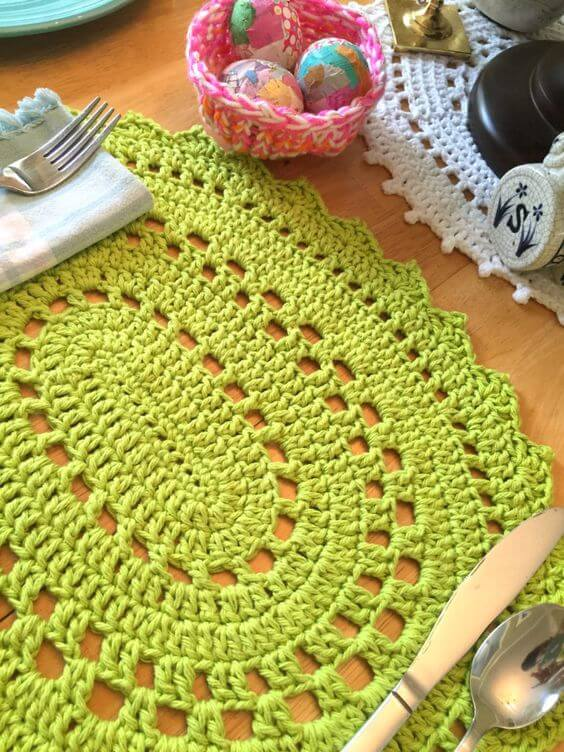 Tapete artesanal de crochê verde