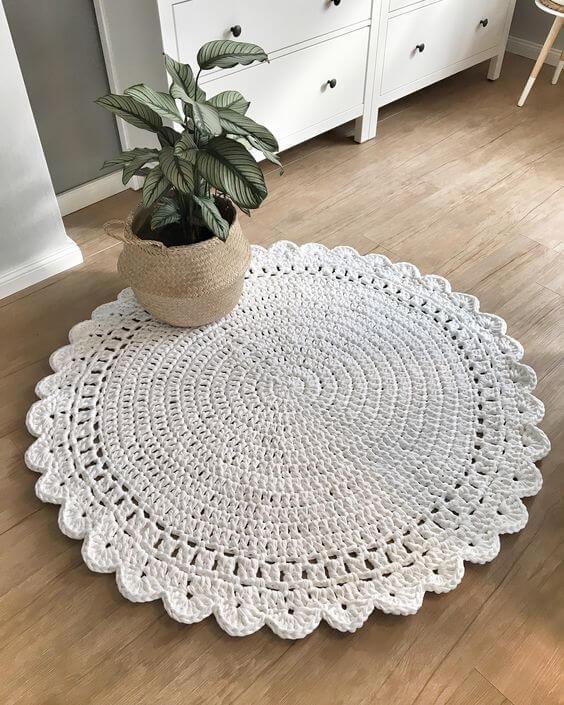 Tapete artesanal branco para quarto moderno