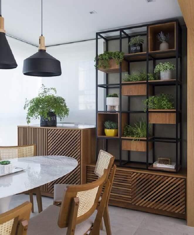 varanda decorada com estante industrial madeira e ferro Foto Pinterest