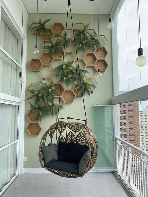 Vaso de parede de madeira com nichos modernos