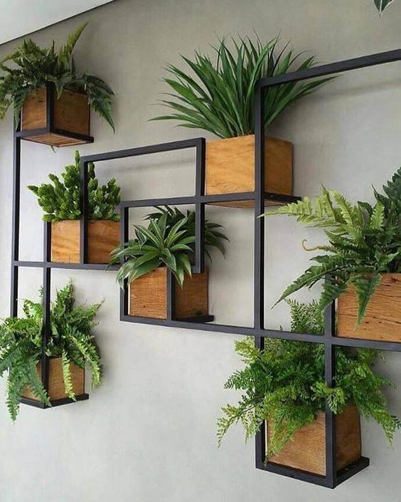 Vaso de parede moderno com estrutura de ferro