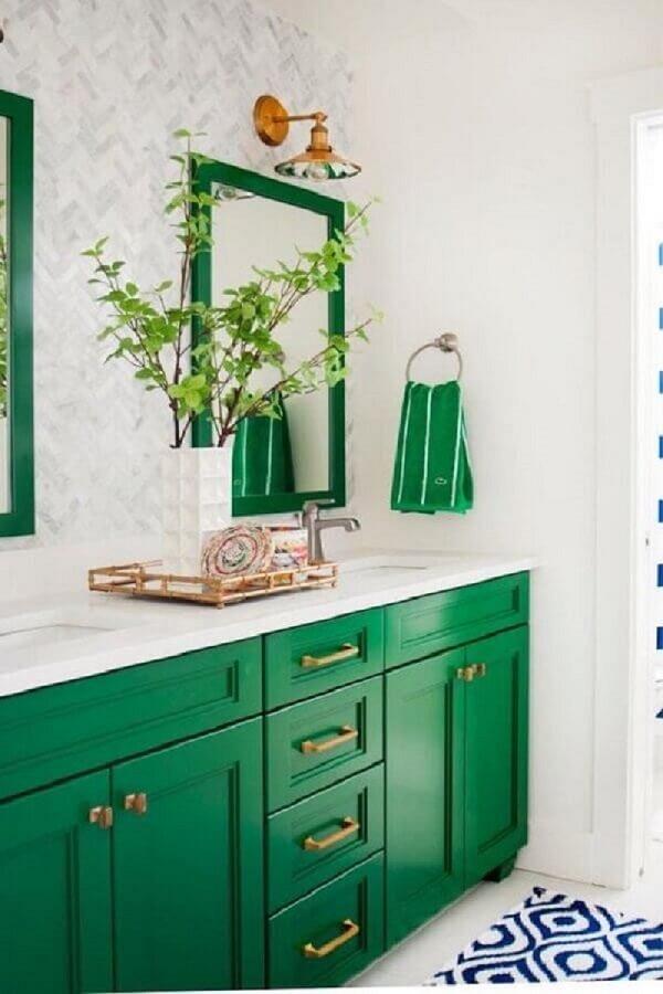 verde esmeralda para banheiro planejado Foto Casa Claudia
