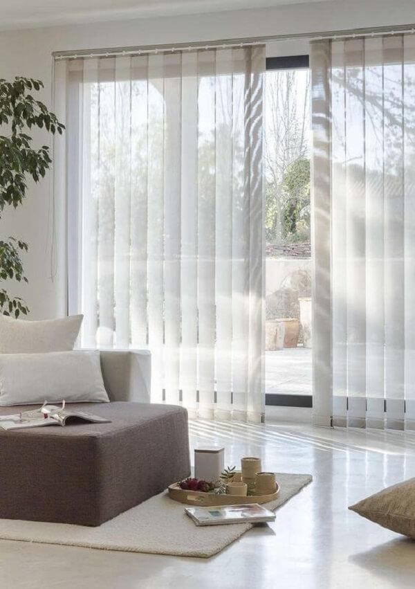 A persiana permite um melhor controle sobre a quantidade de luminosidade que irá entrar no espaço