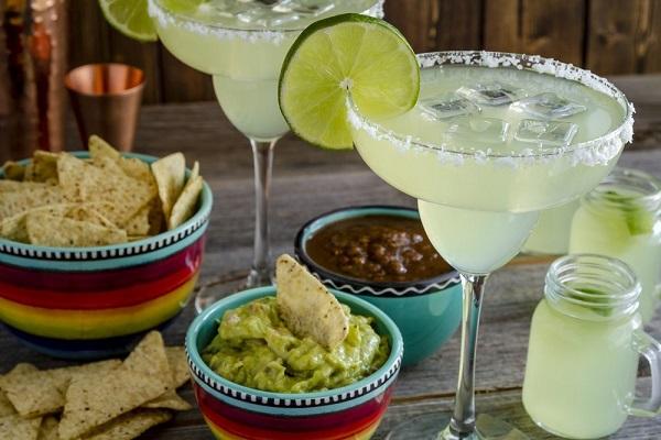 A taça coupette é um dos tipos de taças muito usada para servir coquetel feito com tequila