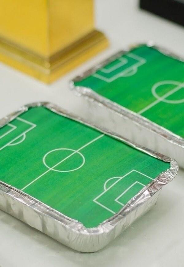 As famosas marmitinhas recheadas de doces para festa tema futebol lembrancinhas