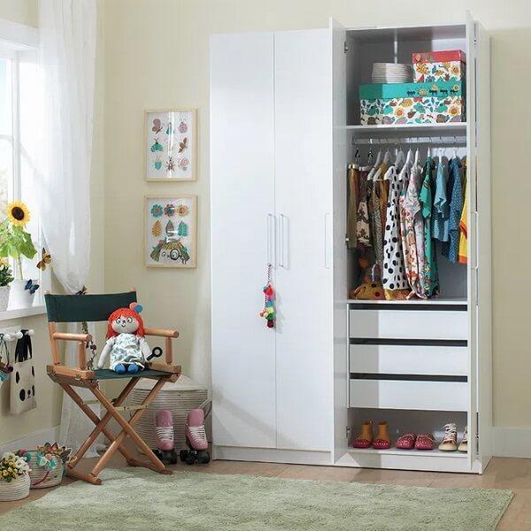 Avalie o tamanho do quarto antes de investir no guarda-roupa infantil 4 portas